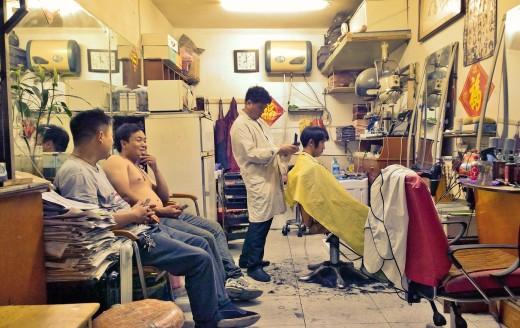 Old School-Friseur in Pekings Hutong-Viertel Dianmen West