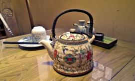 Chinesische Teekanne aus Porzellan