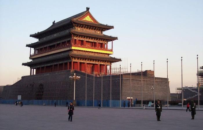 1024px-BeijingOldBuilding